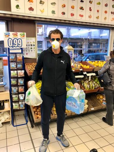 Vigevano, lo sport in prima linea per affrontare l'emergenza Coronavirus: Andrea Giannini porta la spesa agli over 65