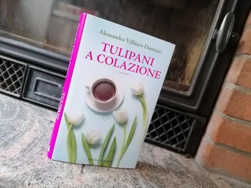 """Alessandra Villasco Damiani racconta il suo romanzo """"Tulipani a colazione""""."""