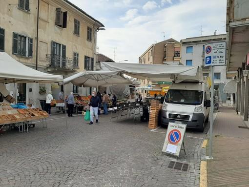 Robbio, al mercato sanzionati un ambulante (400 euro) e un cittadino in bicicletta (41 euro)