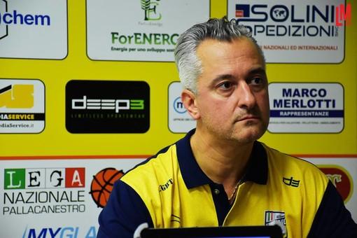 Il coach della Elachem Vigevano Paolo Piazza nella foto di Laura Marmonti