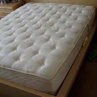 Pavia: compra un materasso, lo paga poi il venditore sparisce