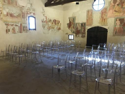 """Sant'Angelo, rinnovato l'arredo nella chiesa di San Rocco per concorrere al progetto """"Piccolo Comune Amico"""""""