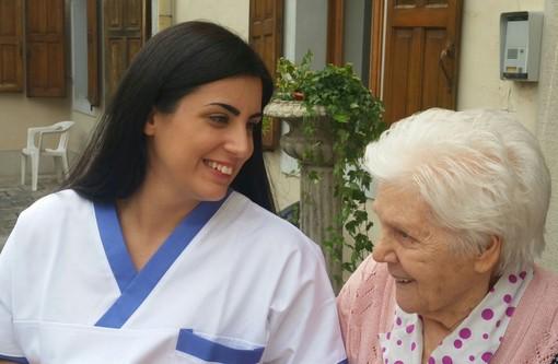 """Residenze sanitarie per anziani: il gruppo """"Sereni Orizzonti"""" cerca urgentemente 350 operatori a tempo pieno e altri 1.200 part time"""
