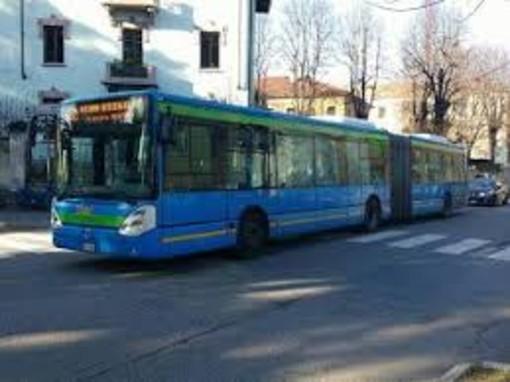 Mortara, il comune esternalizza il servizio scuolabus. La Stav vince l'appalto