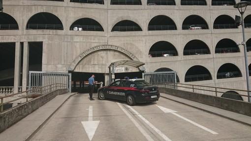 Voghera: minorenne rapina un pensionato all'autoporto, i carabinieri con l'ausilio delle telecamere lo identificano