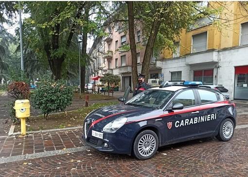 Voghera: assembrati e senza la mascherina, multate cinque persone in piazza San Bovo