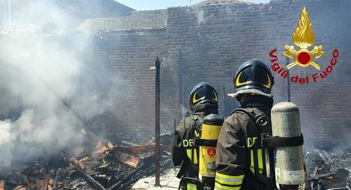 Cassolnovo: incendio distrugge un'abitazione rurale di Villanova