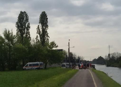 Ancora un ciclista ferito lungo la strada alzaia del Naviglio Grande