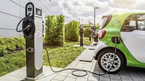 Entro 6 anni auto elettriche meno costose di quelle tradizionali