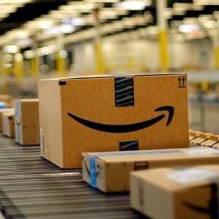 Amazon mette altri 140 milioni di euro per due nuovi centri distribuzione in Italia