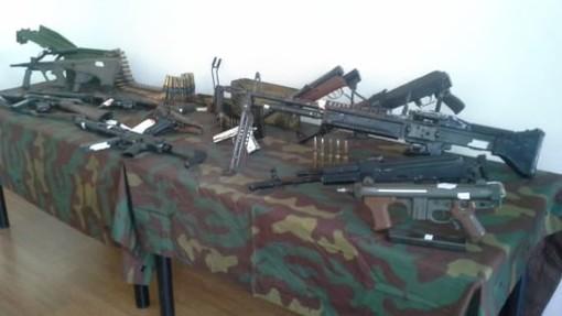 Busto Arsizio, maxi sequestro di armi da guerra: 4 arresti
