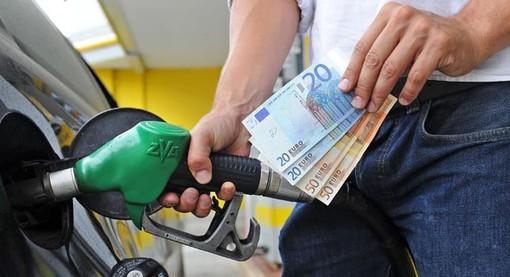 "Caro benzina, Codacons: ""Italia ai primi posti in Europa"""