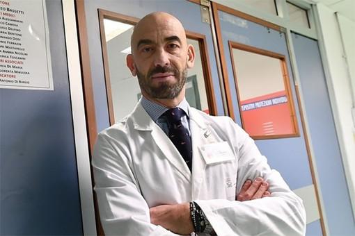 Coronavirus, Bassetti: «Gente riversata negli ospedali per colpa di una comunicazione schizofrenica»