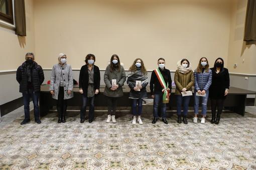 - (FOTONOTIZIA) -  Pieve del Cairo: consegnate quattro borse di studio