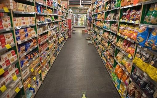 Coldiretti: volano gli acquisiti di cibo low cost, + 4.8%
