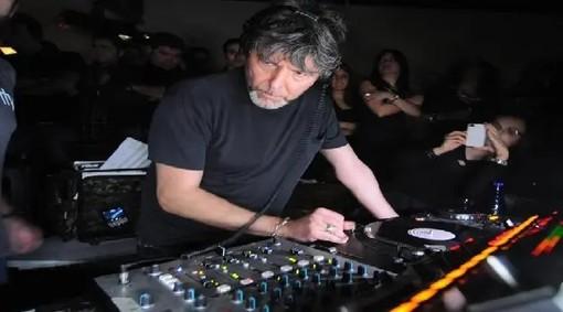 Il popolo della notte piange il suo re: è morto il grande dj Claudio Coccoluto