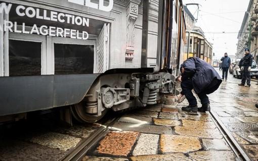 Tram deraglia a Milano: nessun ferito