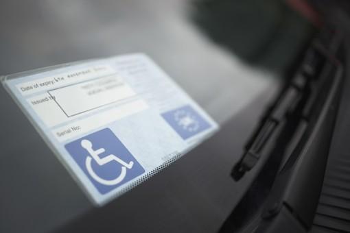 Dorno: falsifica il pass disabili e viene denunciato