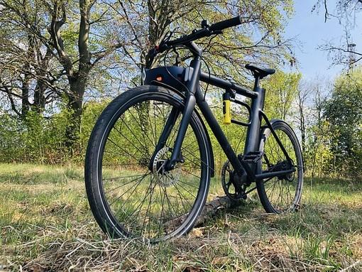 Bici elettrica troppo costosa? 5 motivi per comprarla subito