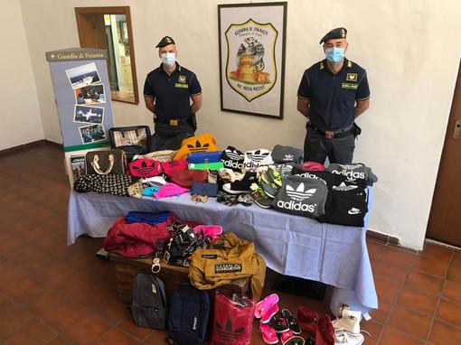 San Donato Milanese: la Gdf sequestra 450mila euro di abiti 'taroccati'