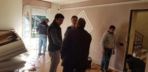 Vigevano: sgombero di un alloggio dell'Aler occupato abusivamente, sopralluogo del vice sindaco Andrea Ceffa