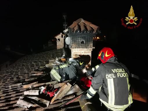 Pavese: in fiamme una canna fumaria a Corteolona