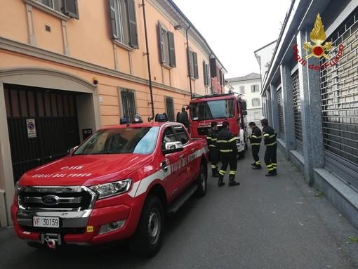 Voghera: soccorso dei Vigili del Fuoco in via del Pozzo, trovata in casa una persona deceduta