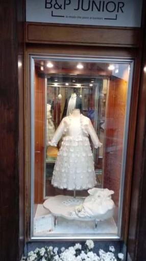 Magenta: furto, in pieno giorno, nel negozio B&P Junior di via Roma