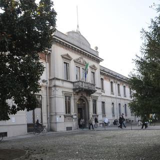 Il Rotary Club Mede-Vigevano dona un'incubatrice e lampada fototerapica alla pediatria del civile