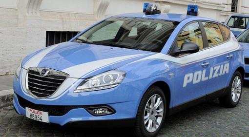 Vercelli: ubriaca, aggredisce e insulta poliziotti e carabinieri: in manette una 22enne