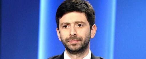 """Speranza: """"D'accordo sul coprifuoco in Lombardia"""". Il Governo dice sì"""