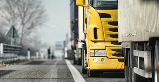 Ladri ad Abbiategrasso rubano tre camion da una ditta di bonifiche