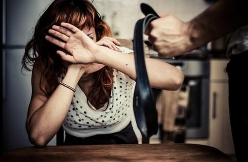 Corbetta: picchia la moglie ripetutamente, 36enne finisce in carcere