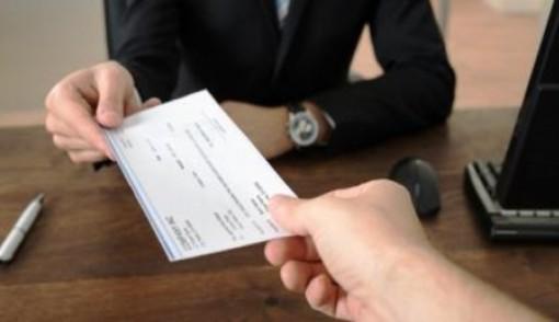 Pavia: allarme truffe assegni e vaglia circolari falsi: fate attenzione se ve li offrono in pagamento