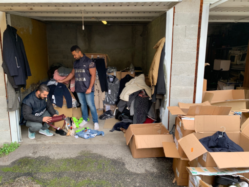 Pavese: sequestrati 1700 capi di abbigliamento rubati, denunciato un uomo per ricettazione