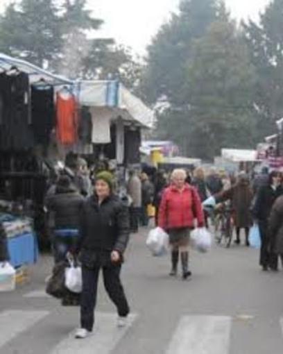 Vigevano, al mercato di domani ammessi solo i banchi alimentari