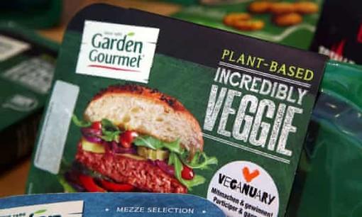 """La Lega: """"No al veggie burger e al fake food dell'Unione Europea"""""""